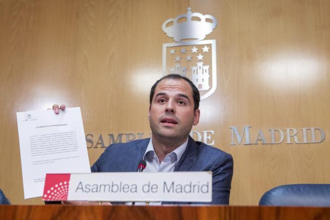 El portavoz de Ciudadanos, Ignacio Aguado, ha presentado una comisión...