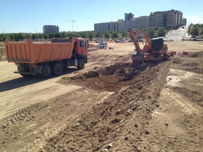 Trabajos de urbanización en los terrenos donde se ubican las parcelas...