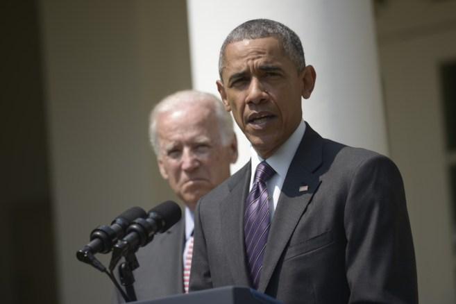 Obama junto a Joe Biden.