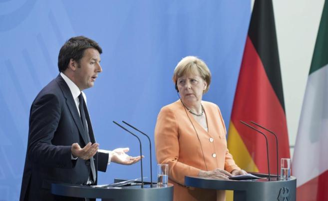 La canciller alemana Angela Merkel y el primer ministro italiano...
