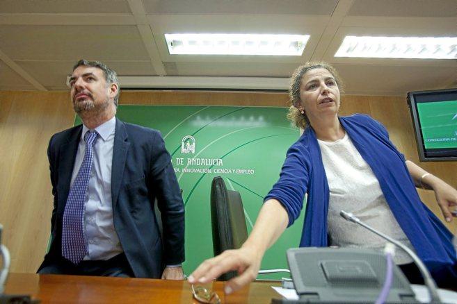 Vicente Fernández y María José Asensio, en una rueda de prensa.