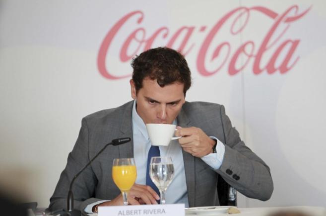 Albert Rivera, presidente de Ciudadanos, durante un encuentro con...
