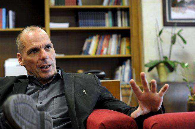 El ministro de Economía y Finanzas, Yanis Varufakis, durante una...