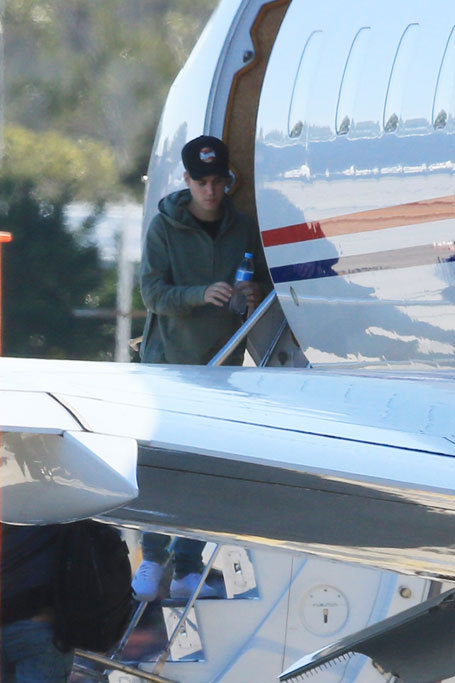Justin Bieber deja Australia en su jet privado tras pasar una semana...