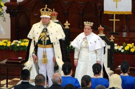 El rey Tupou VI ha sido coronado hoy en Tonga en una ceremonia en...
