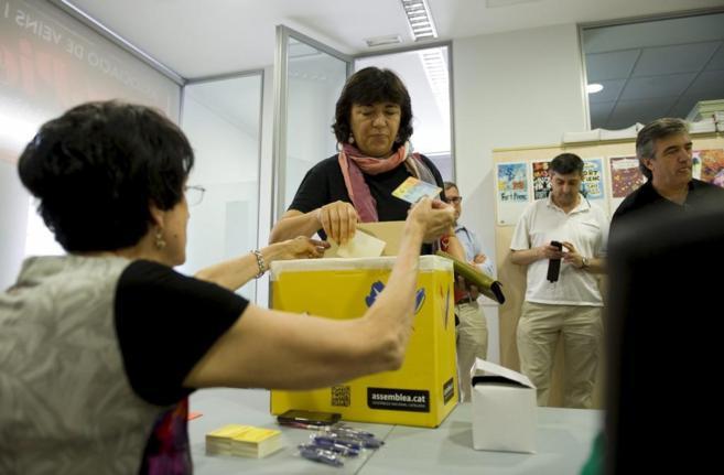 La vicepresidenta de la ANC durante la votación
