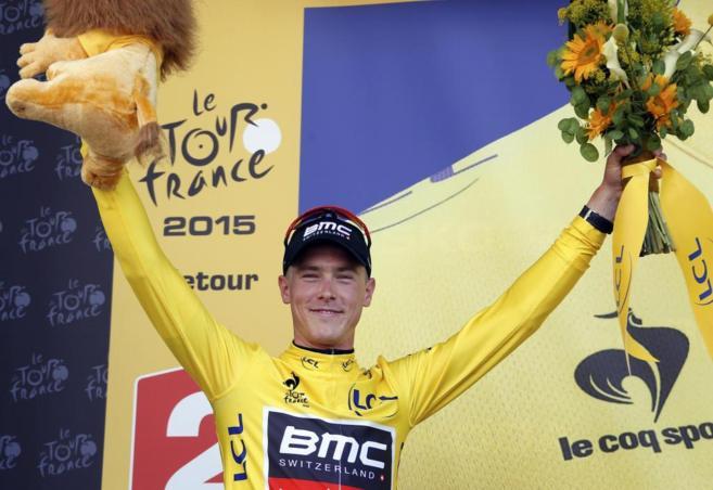 Rohan Dennis celebra la victoria en la primera etapa del Tour de...