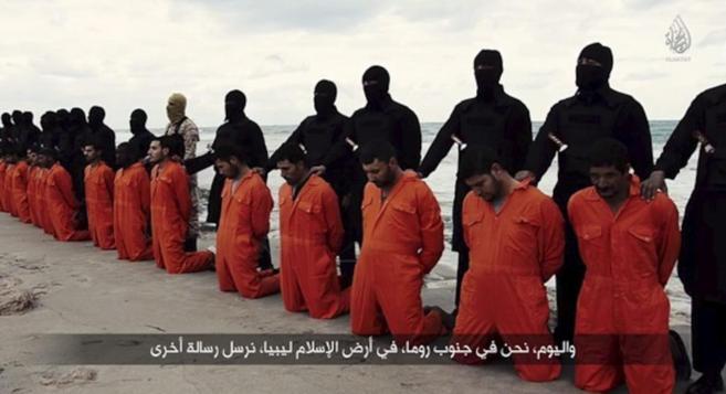 Decapitación de cristianos coptos egipcios por parte del IS.