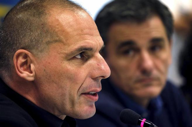 Yanis Varoufakis con el ministro de Finanzas griego, Euclid Tsakalotos