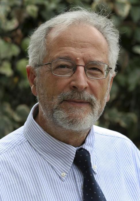 Luis Enjuanes, biólogo molecular del Centro Nacional de...