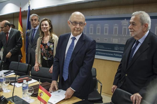 Cristóbal Montoro, en la reunión del Consejo de Política fiscal y...