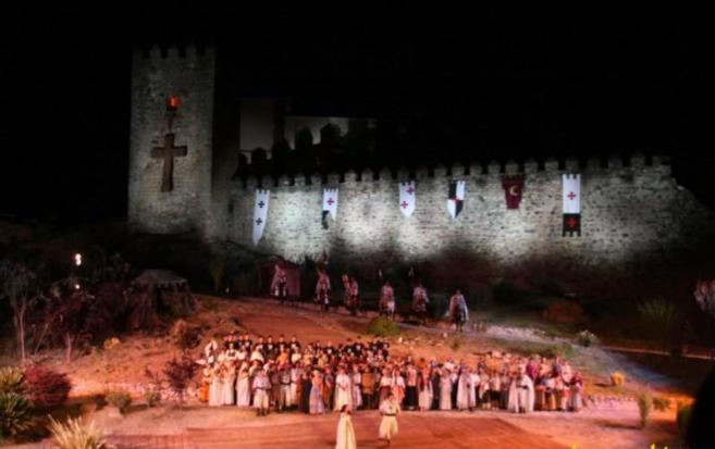 Representación teatral en el Festival Templario de Jerez de los...