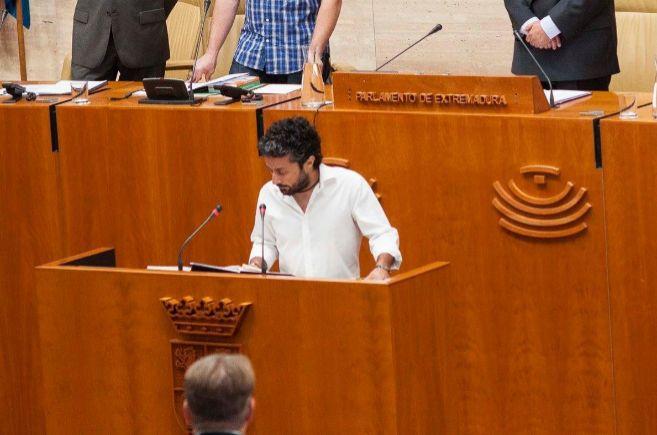 Eugenio Romero, diputado regional de Podemos, en el Parlamento de...