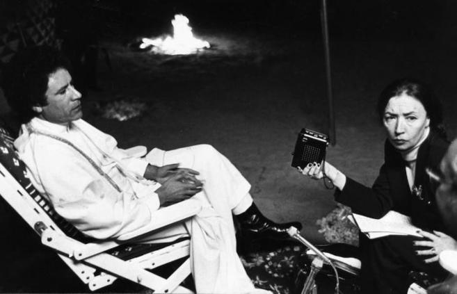 Oriana Fallaci durante la entrevista a Muamar el Gadafi en diciembre...