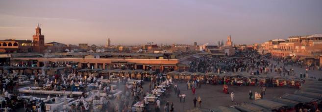 Plaza Jemaa El Fna, donde fueron detenidos los cinco jóvenes por...
