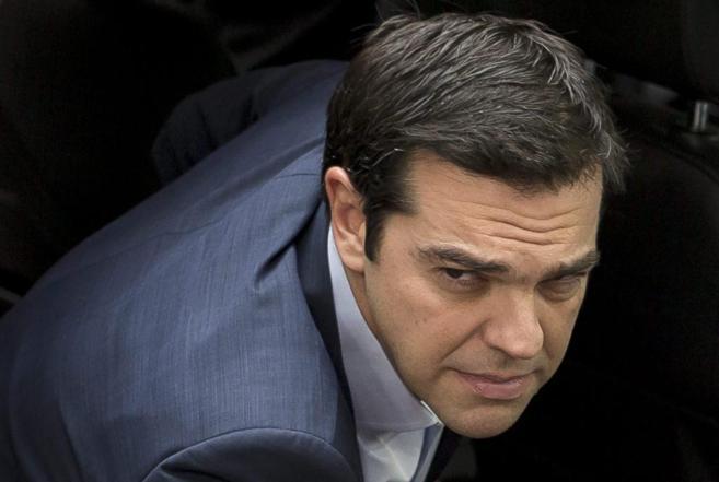 El primer ministro griego, Alexis Tsipras, a su llegada a la...