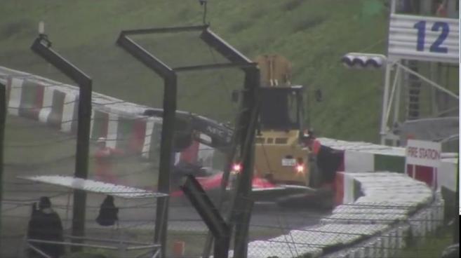 Imagen del momento de impacto de Bianchi en el GP de Japón en 2014.