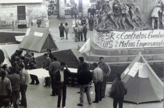 Fotografía de la exposición Memoria de las víctimas del 3 de marzo