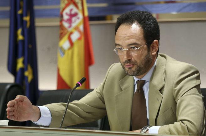 El portavoz parlamentario del PSOE, Antonio Hernando, en la rueda de...