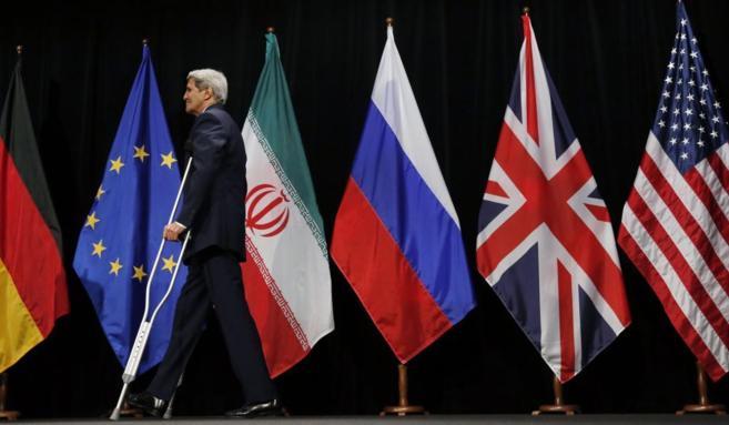 John Kerry, secretario de Estado de EEUU, tras la firma del acuerdo en...