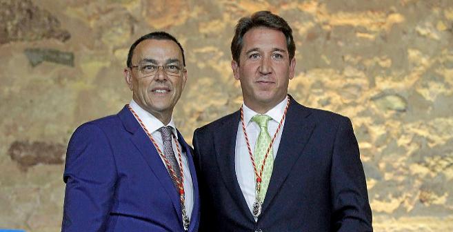 El presidente de la Diputación, con el portavoz de Ciudadanos,...
