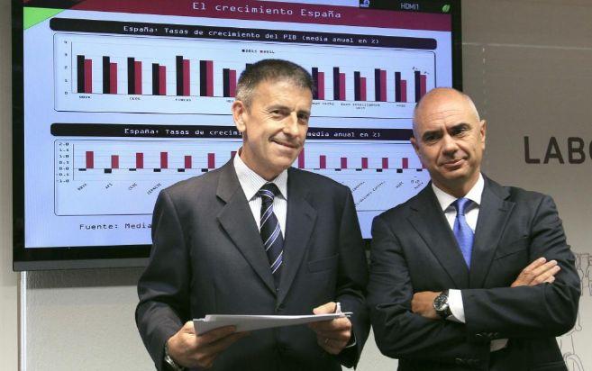 Xabier Egibar y Joseba Madariaga durante la presentación del Informe...