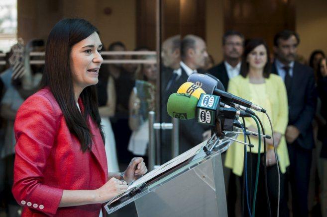 La consellera de Sanidad, Carmen Montón, durante la toma de posesión...