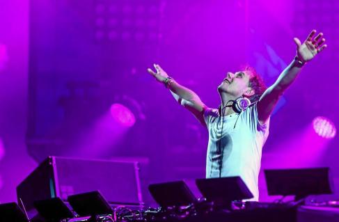 El DJ holandés Armin van Buuren, durante una sesión.
