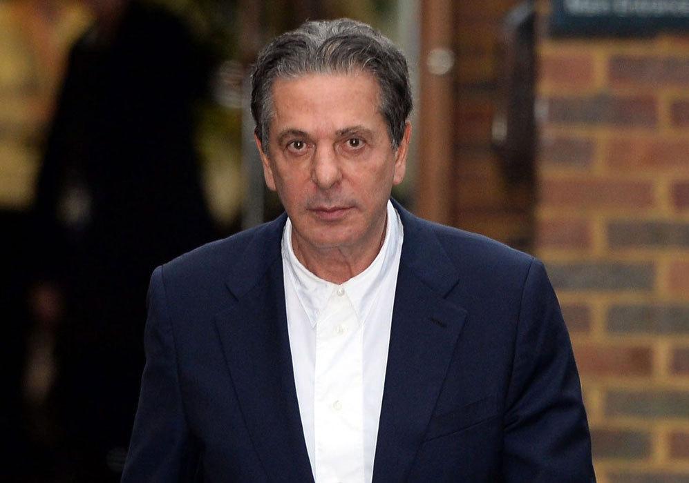 Charles Saatchi, Británico. Es ejecutivo publicitario, director...