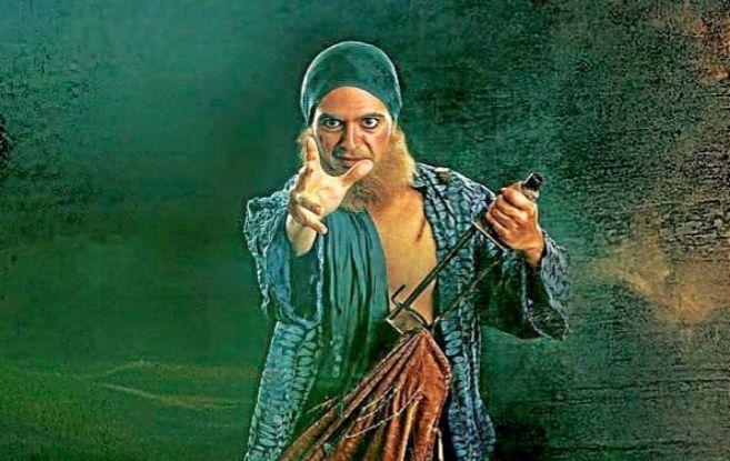 Uno de los actores de la compañía El Aedo durante la representación...
