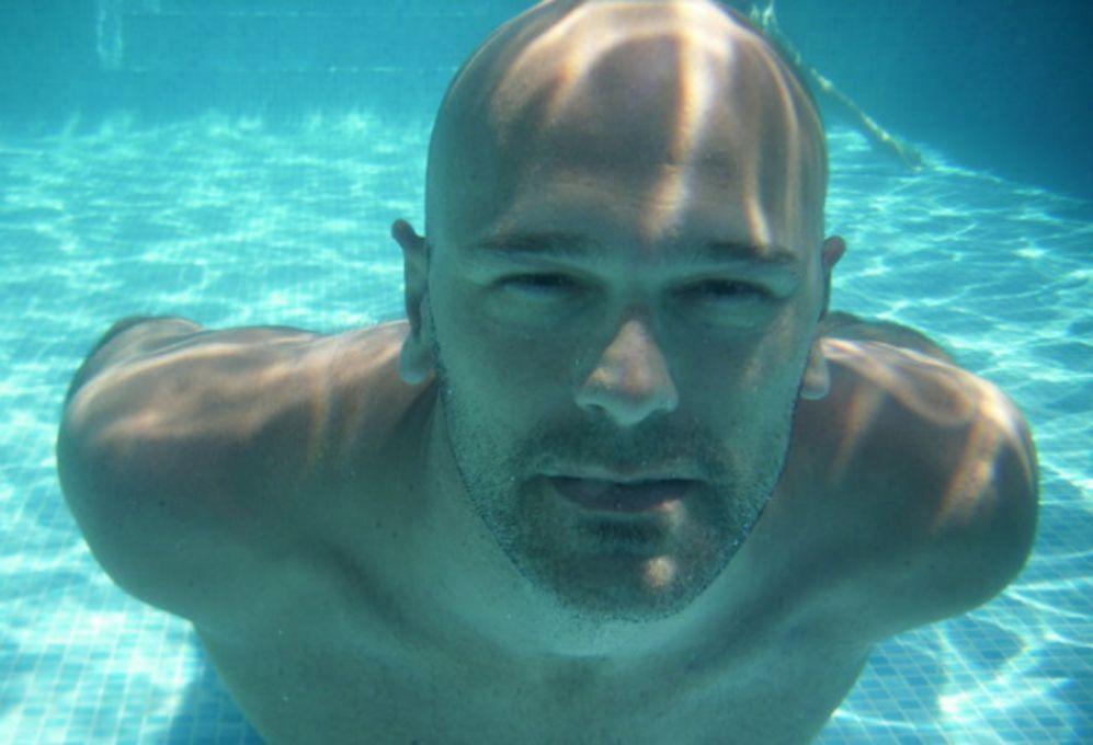 La natación es uno de los deportes que más practica Romeva y que le...