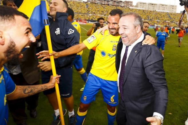 Miguel Ángel Ramírez celebra el ascenso de Las Palmas.