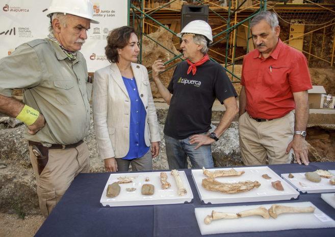 Los tres codirectores de la campaña de excavaciones de Atapuerca,Juan...