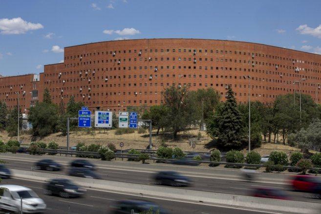 Edificio El Ruedo, obra del arquitecto Francisco Javier Saenz de Oiza,...