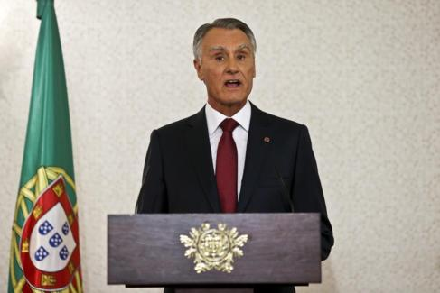 El presidente de Portugal, Aníbal Cavaco Silva, se dirige al país,...