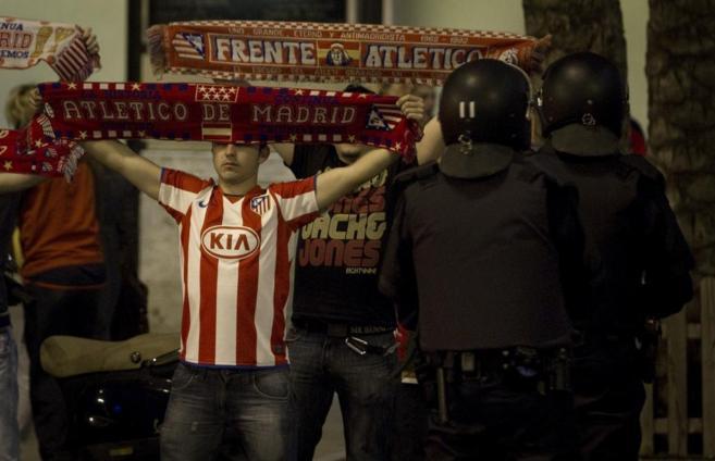 Aficionados del Atlético de Madrid tras un partido de liga.