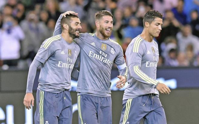 Benzema, Ramos y Cristiano celebran un gol