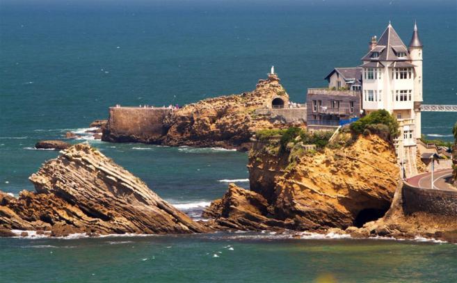 Fotografía de la elitista ciudad francesa de Biarritz, en el Golfo de...