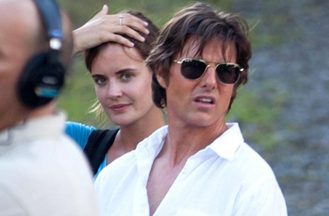 Tom Cruise y su chica, que guarda un gran parecido con Katie Holmes.
