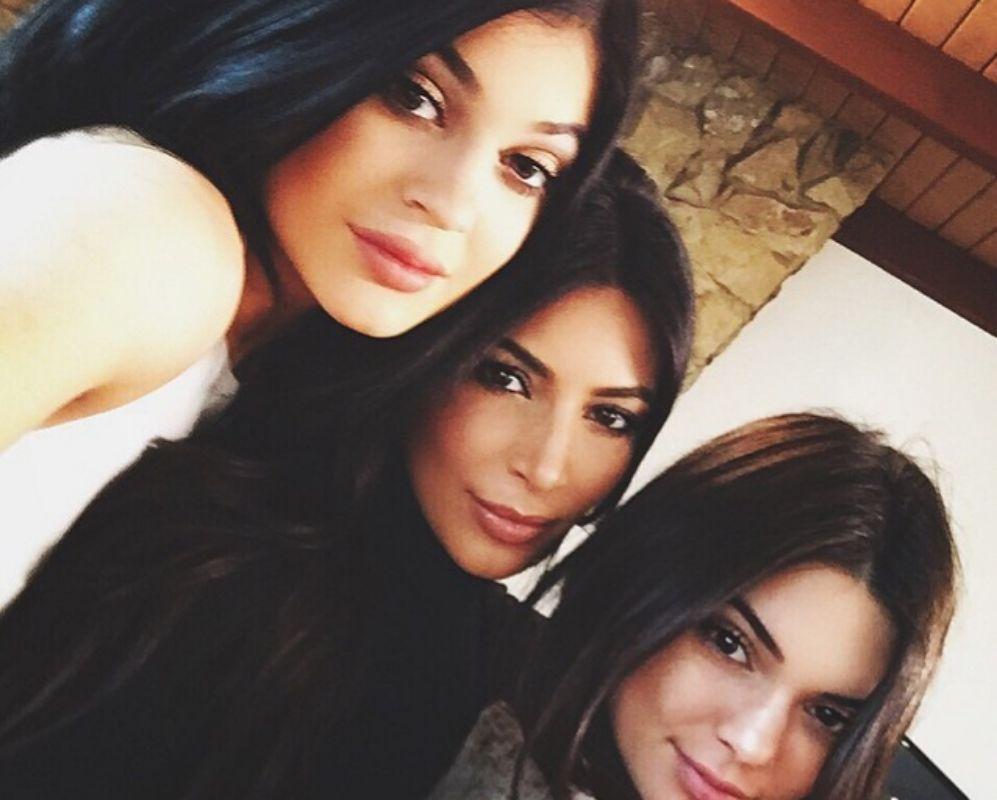 Kendall con sus hermanas Kim y Kylie