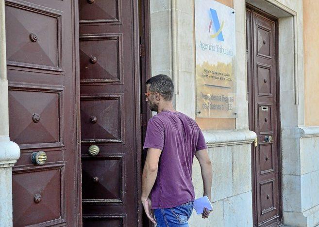 El regidor de Medio Ambiente, Mateu Frau, a su entrada en la...