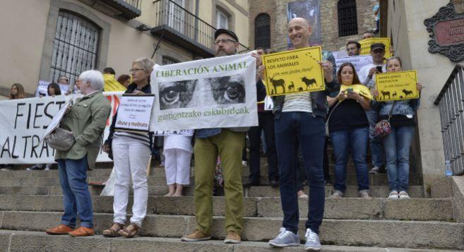 La concentración animalista en las escalinatas de la Iglesia de San...