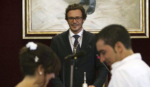 El alcalde de Cádiz, 'Kichi', que se puso por primera vez...
