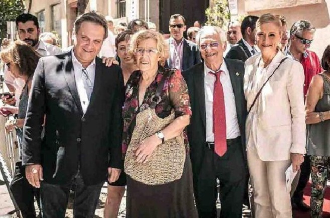 Carmona, Carmena, el padre Ángel y Cifuentes, ayer en la fiesta del...