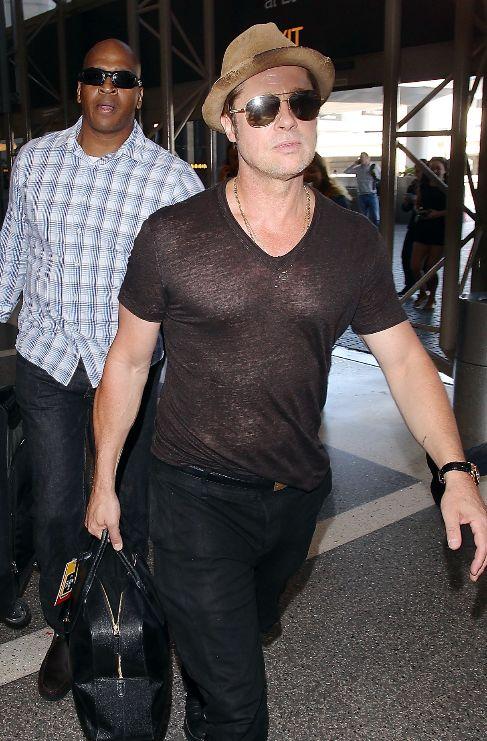 Brad Pitt, todo un 'sex symbol' con sus transparencias en Los Angeles.