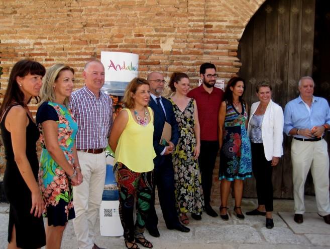 Los responsables de la Andalucía Film Comission tras la presentación...