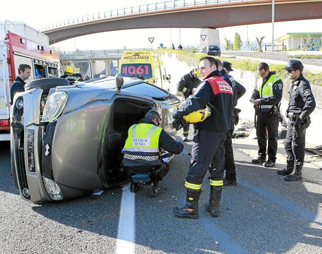 Accidente de tráfico junto al puente de Son Espases.