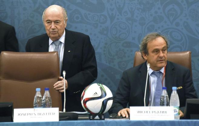 Blatter y Platini durante un acto de la FIFA