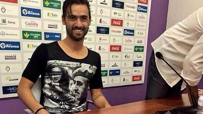 El futbolista del Real Jaén Nuno Silva, durante su presentación con...