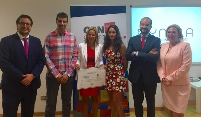 El Ayuntamiento de Vila-real recoge el premio al municipio más...